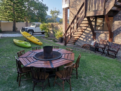 Braai / Barbeque Table , Kayaks for Lagoon